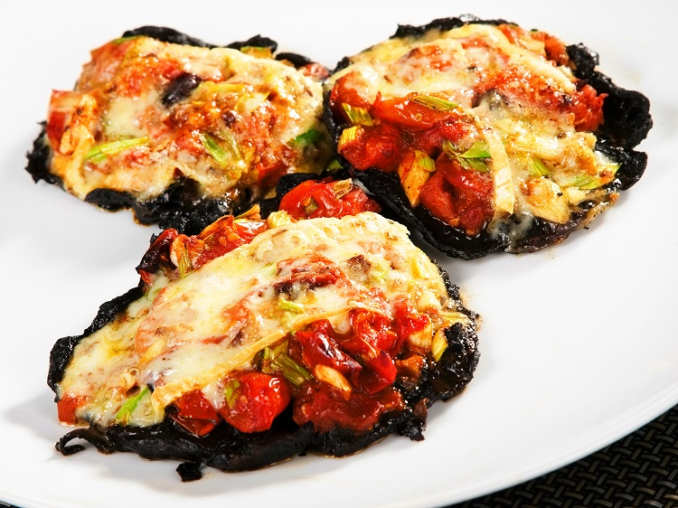 Low-Carb Veggie Mini-Pizzas